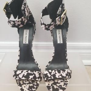 Steve Madden Shoes - Steve Madden floral design Strapy high heel size 8